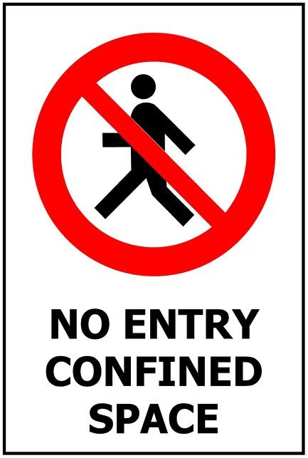 240x340 NO ENTRY Confined Space